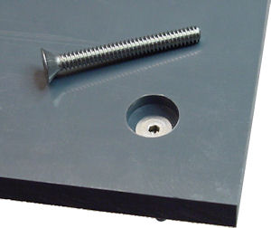 Countersunk flathead screw for flat PVC baseplate