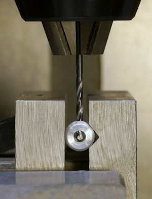 Drilling setscrew hole in V groove vise