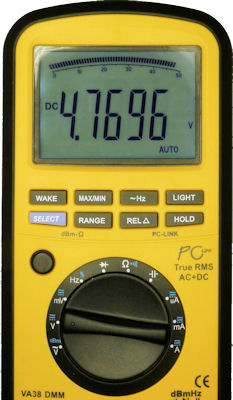 Multimeter in voltage measurement mode